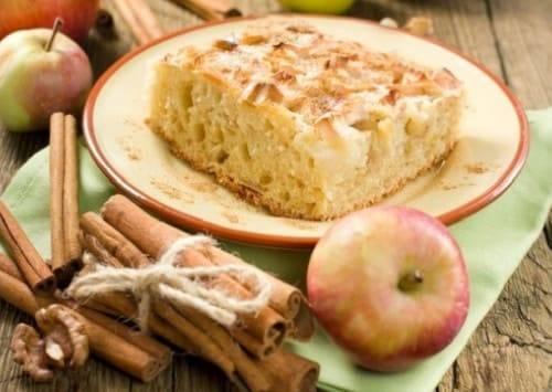 Самый простой и вкусный яблочный пирог или шарлотка в мультиварке