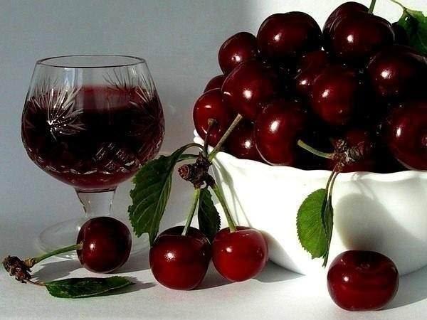 Как просто и вкусно сделать домашнее вино из винограда