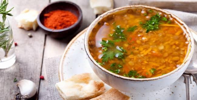 Легкий суп из чечевицы с картошкой