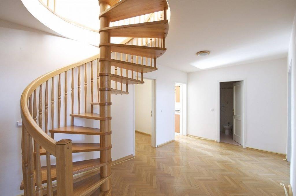 Винтовая лестница своими руками в частном доме из разных материалов