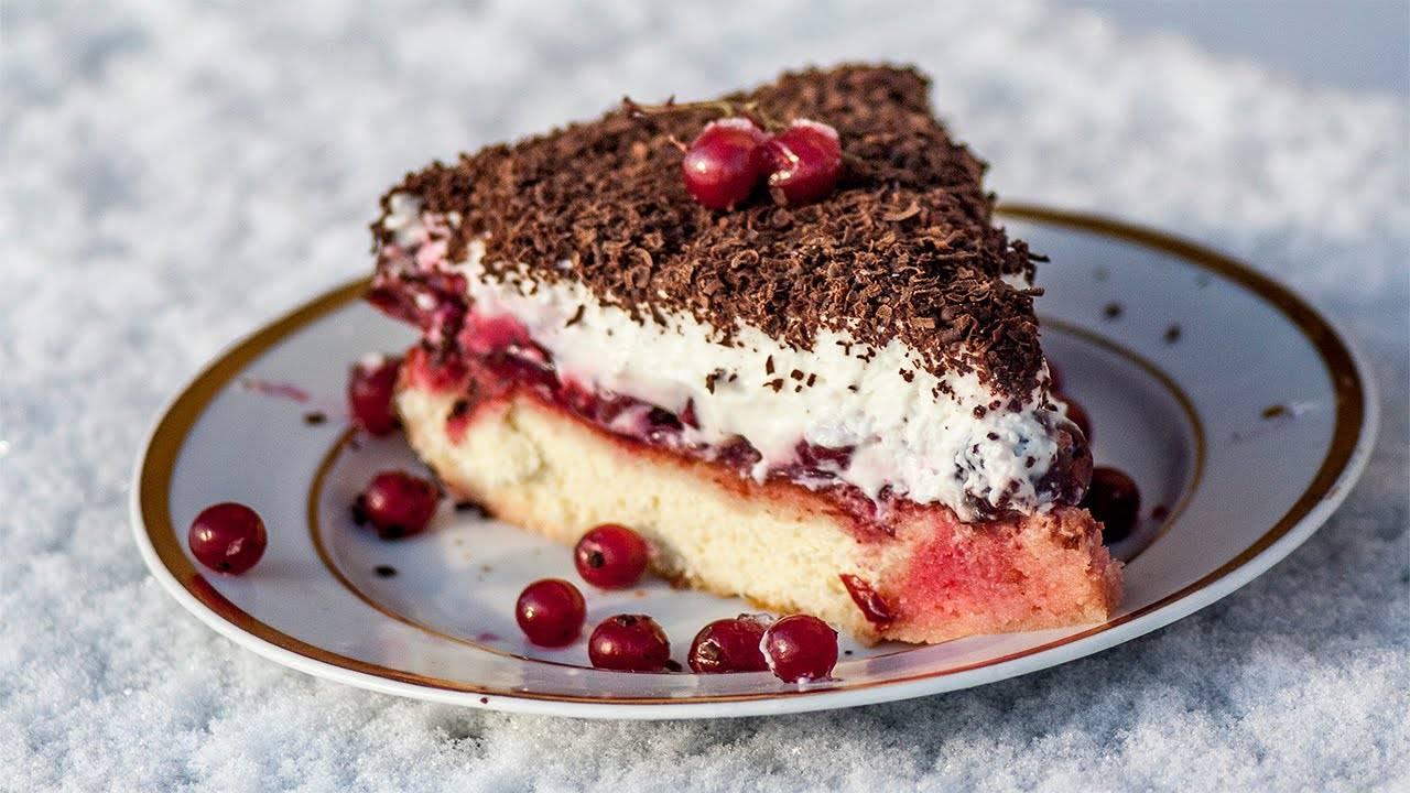 Торт вишня в снегу