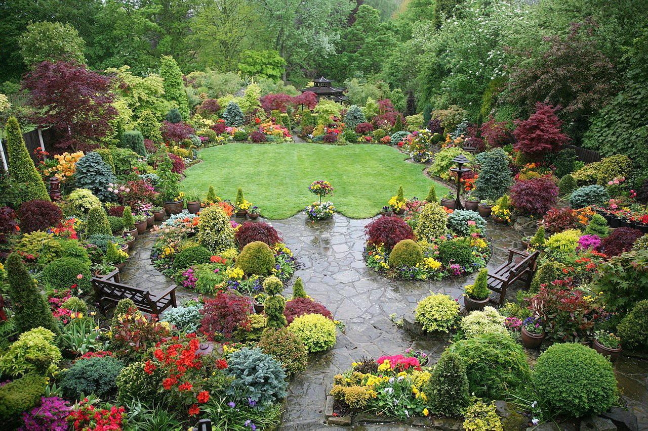 Сад в колониальном стиле, ландшафтный дизайн, фото