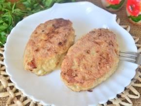 Мясные зразы с начинкой из грибов и из яиц — 6 пошаговых рецептов в духовке и на сковороде