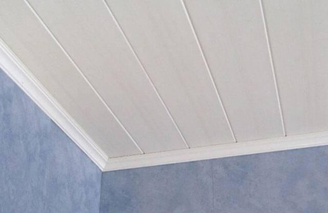 Отделка пластиковыми панелями стен и потолков: быстро и экономно