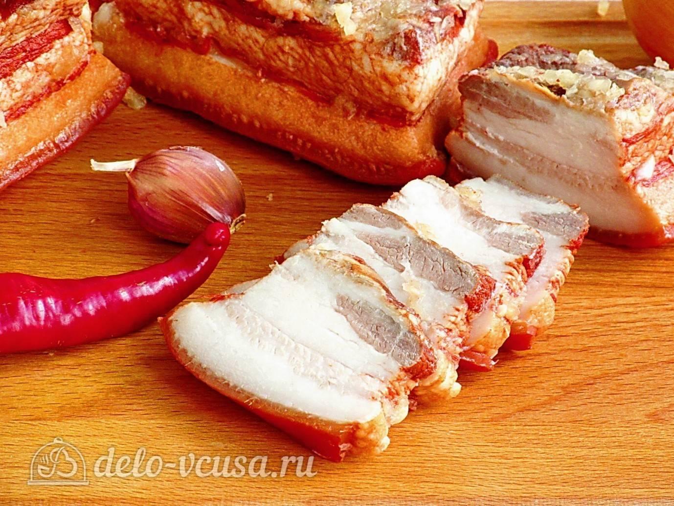 Готовим вкусное и ароматное сало в луковой шелухе: идеально блюдо для зимы