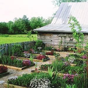 Сад огород своими руками: новые интересные садовые поделки для улицы на дачном участке (фото/видео обзор)