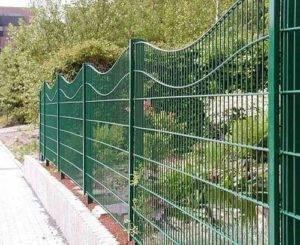 Как сделать забор из профнастила