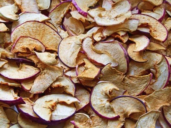 Правильное хранение сушеных яблок в домашних условиях