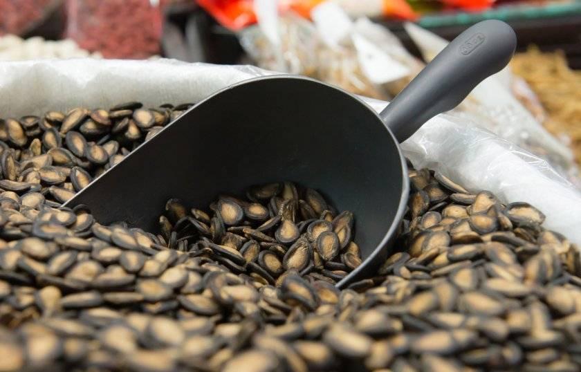Арбузные семечки: польза и вред для организма. как их правильно кушать?