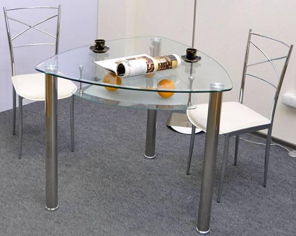 Выбор стола для кухни с одной ножкой