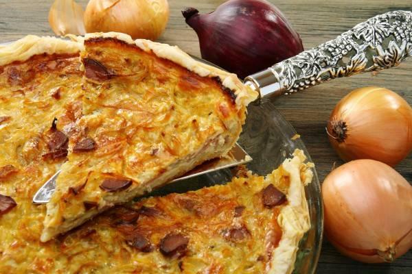 Пошаговый рецепт французского классического лукового пирога