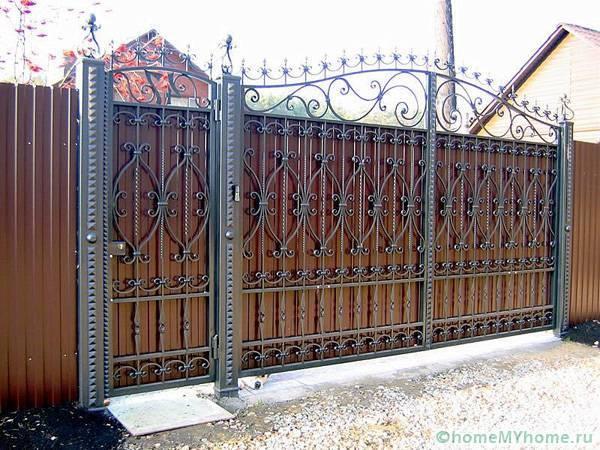 Как выбрать ворота с калиткой для дачи и частного дома — познаем главное