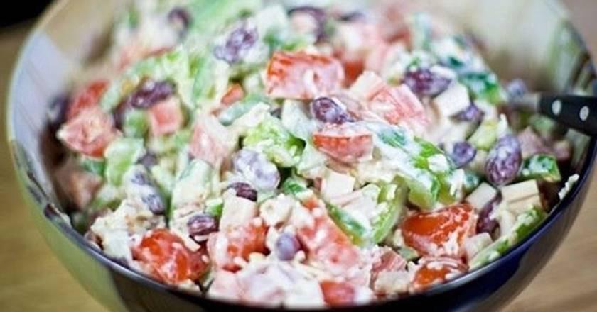 8 лучших рецептов салата с фасолью и сухариками