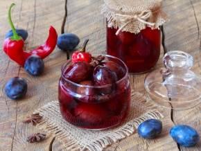 Как приготовить сливу в собственном соку на зиму, подборка рецептов