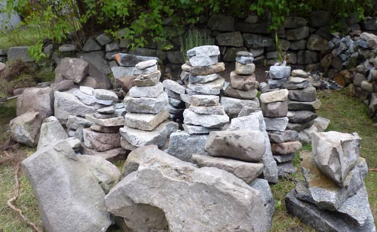 35 фотоидей, как можно использовать камни и валуны в ландшафтном дизайне