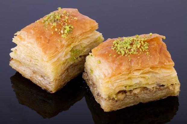 Пахлава греческая из теста фило с орехами