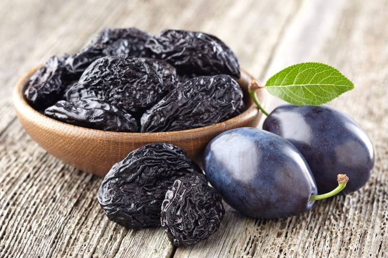 Полезные свойства сливы: особенности лечения соком, листьями, корой и мякотью