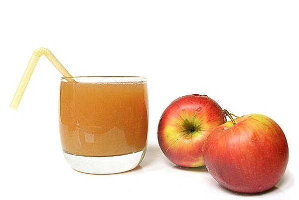 Чем полезен свежевыжатый морковно-яблочный сок