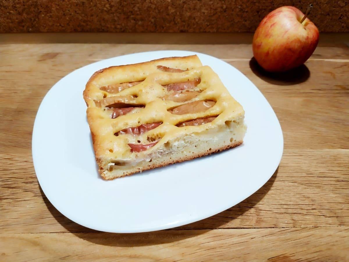 Классическая шарлотка с яблоками в духовке — 8 простых рецептов