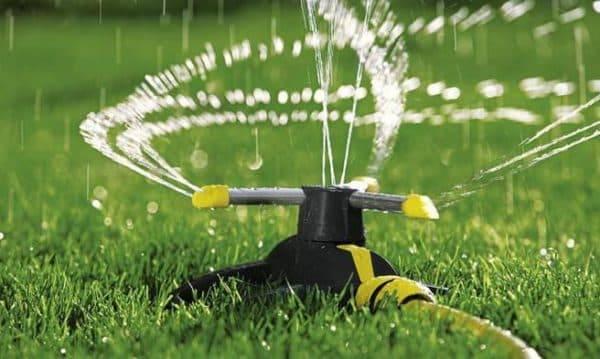 Рейтинг дождевателей для полива огорода