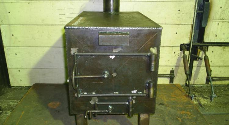 Печи для гаража на дровах: виды и особенности изготовления