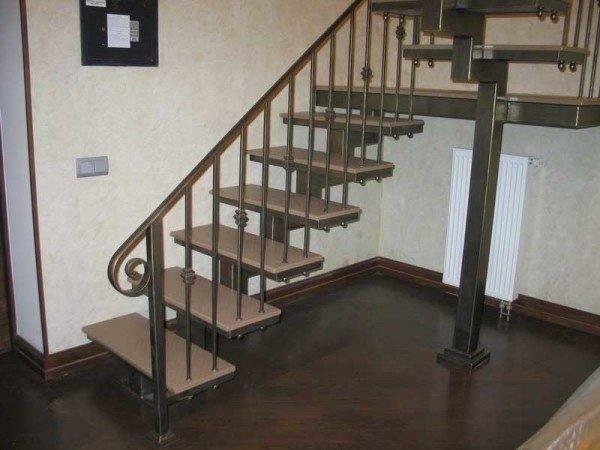 Перила для лестницы – завершающий штрих в дизайне