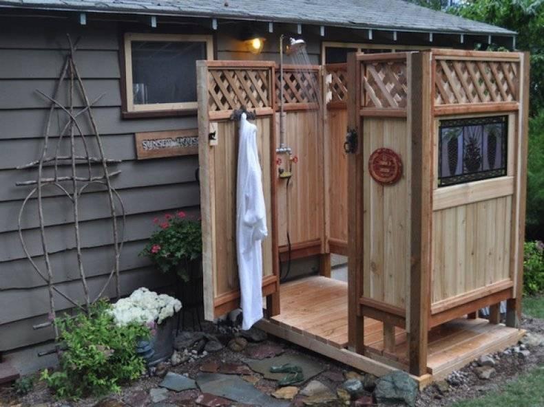 Чисто сработано: как построить летний душ своими руками во дворе частного дома
