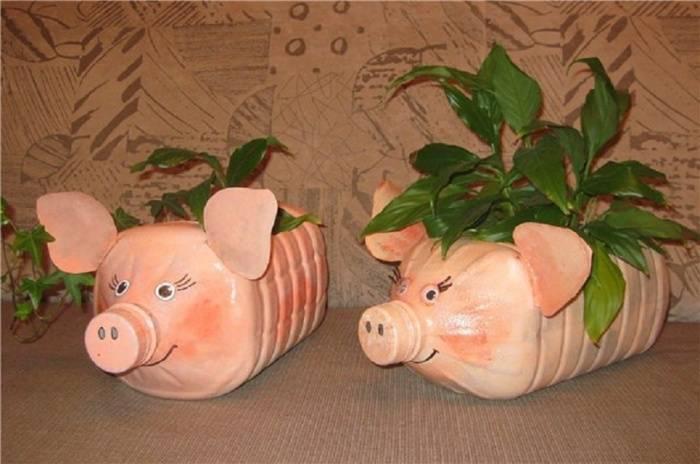 Как сделать поделку-свинью из пластиковой бутылки своими руками