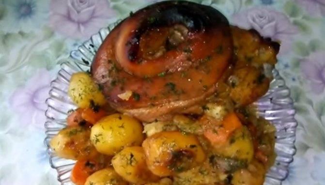 Тонкости приготовления свиной рульки, запеченной в духовке