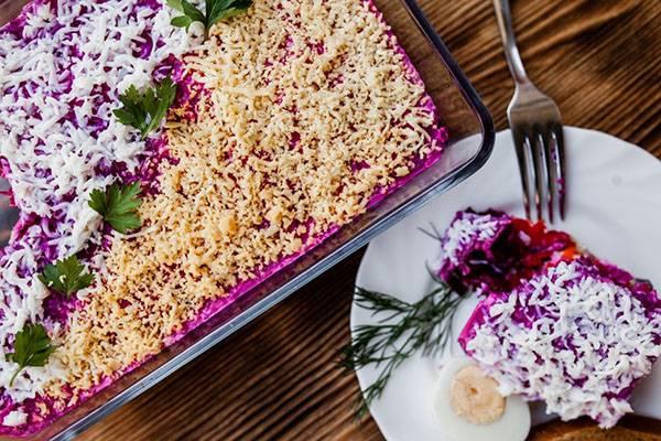 Сельдь под шубой: 6 новогодних рецептов салата «шуба» на любой вкус