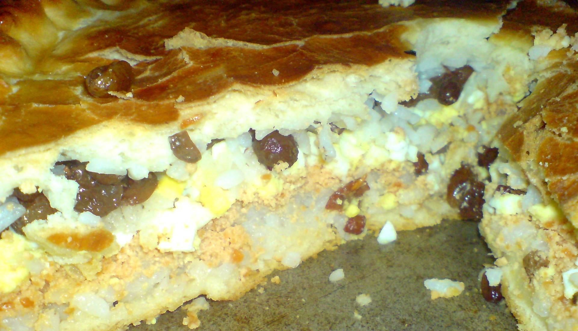 Сладкая губадия: многослойный татарский пирог с творогом и изюмом