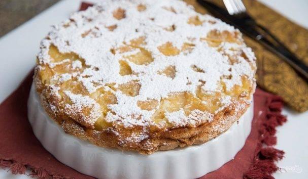 Рецепт шарлотки с яблоками в духовке пышный