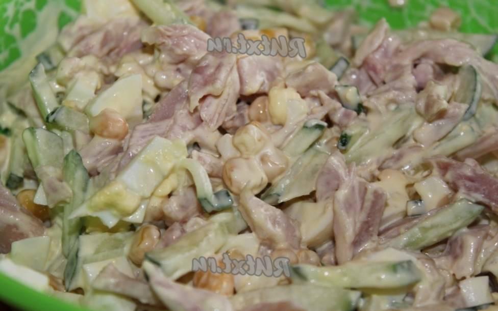 10 рецептов вкусных салатов с маринованными грибами