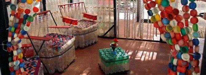 Поделки из пластиковых бутылок: 135 фото вариантов использования пластика в украшении сада