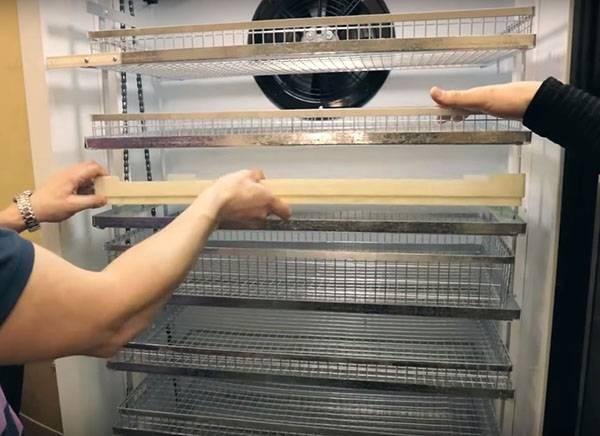 Как сделать инкубатор в домашних условиях своими руками?