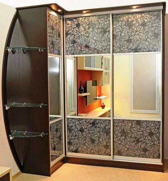 Угловые встраиваемые шкафы-купе в спальню: фото идеи внутри и снаружи