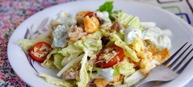 Салат с кукурузой — простые и легкие рецепты кукурузных салатов