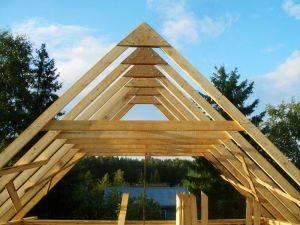 Как устроена стропильная система двускатной крыши