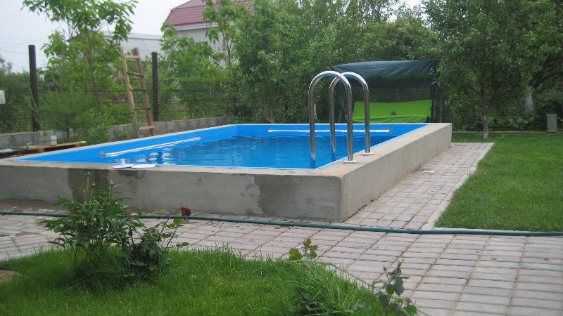 Какой бассейн для дачи лучше каркасный или надувной? преимущества и недостатки