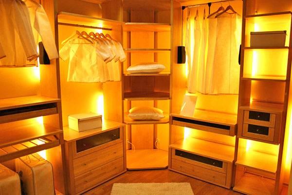 Установка вентиляции в гардеробной комнате без окна
