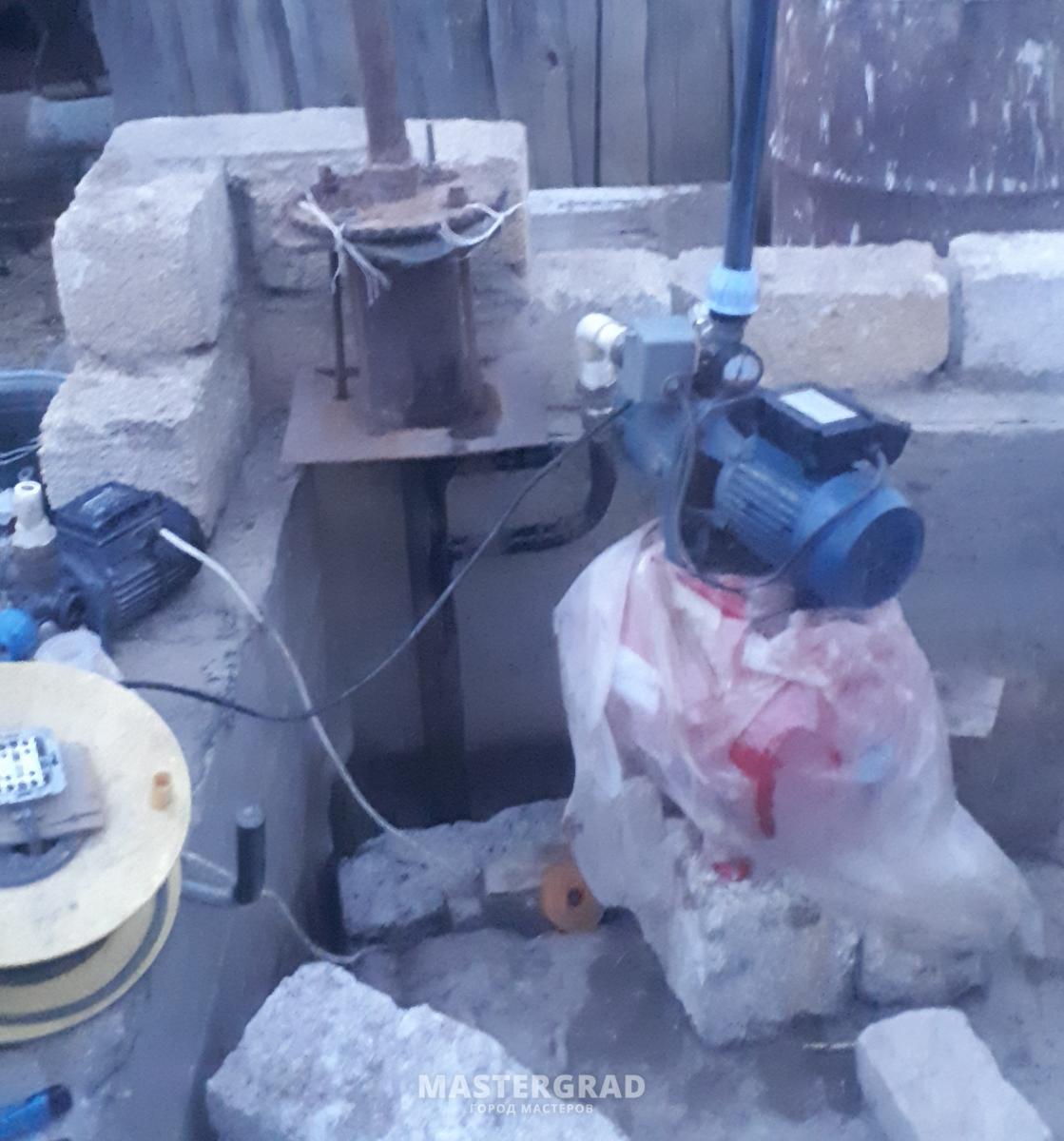 Как самостоятельно установить ручной насос для воды из скважины
