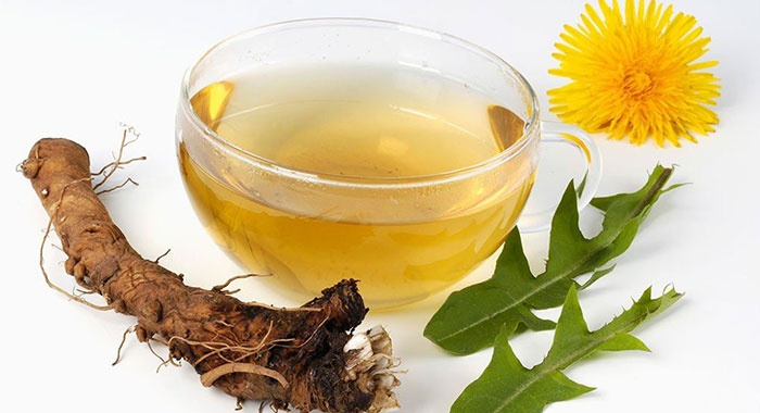 Безопасное лекарственное средство для сочленений: настойка из одуванчиков для суставов на спирту, водке, тройном одеколоне и воде