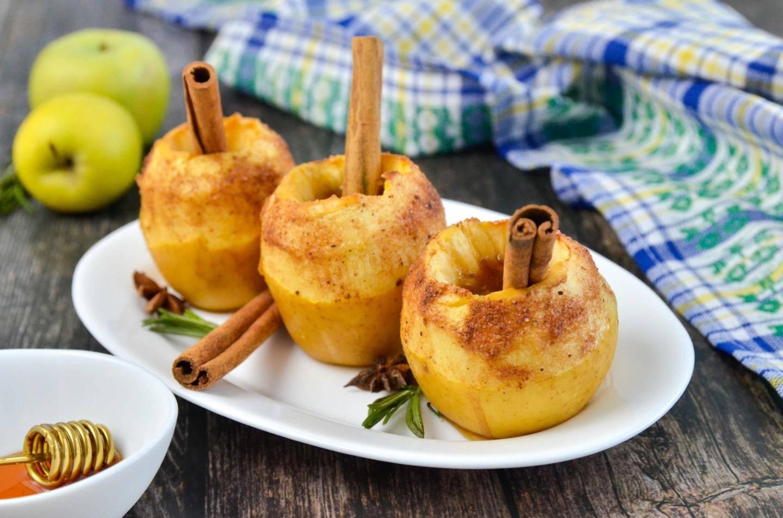 Яблоки, запеченные с мёдом в мультиварке