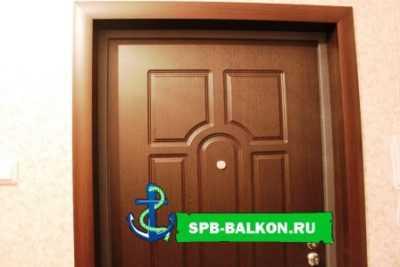 Монтаж дверных откосов: способы и особенности