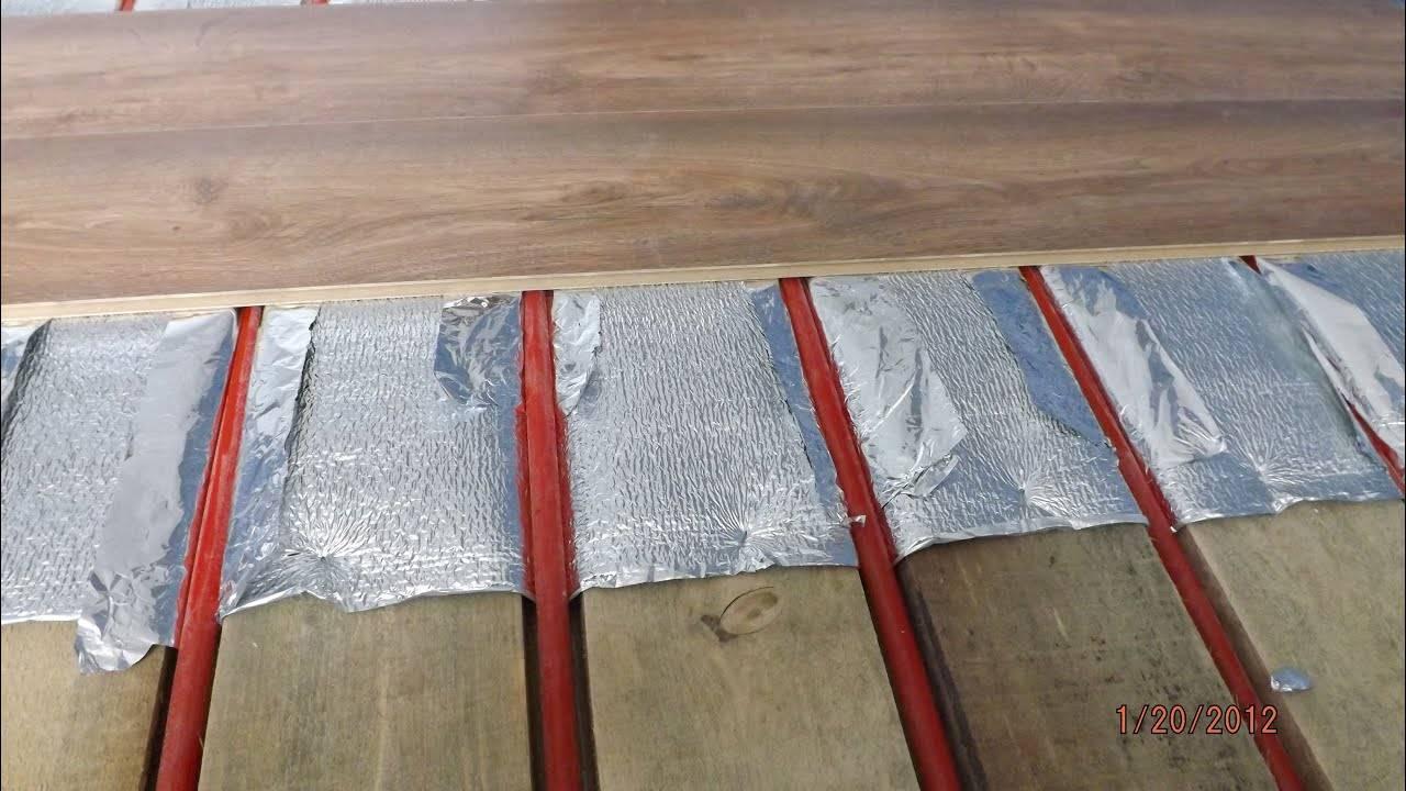Можно ли укладывать водяной теплый пол под ламинат и как лучше это сделать