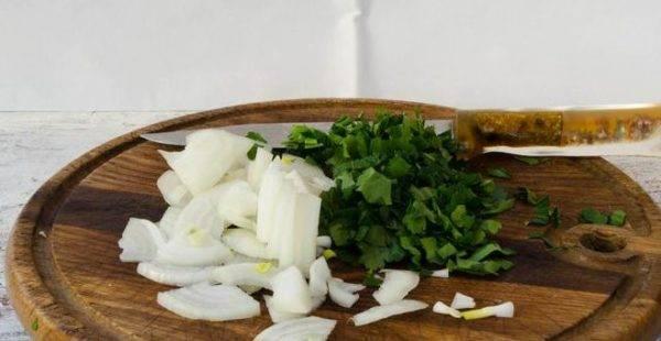 Салат из одуванчиков – полезные рецепты. рецепты приготовления полезных для организма салатов из одуванчиков
