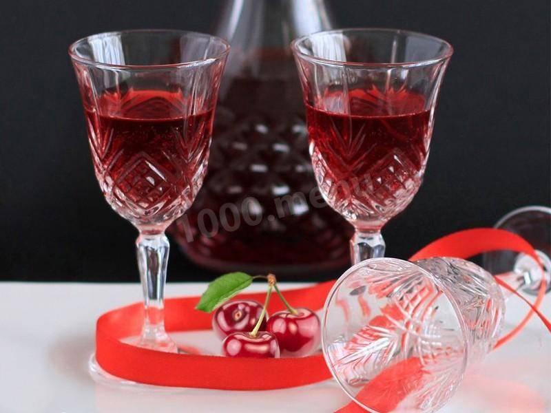 Как приготовить домашнее вишневое вино