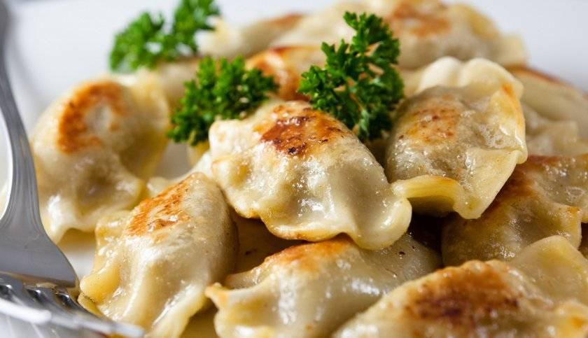 Как вкусно сделать вареники с картошкой — лучшие рецепты приготовления в домашних условиях