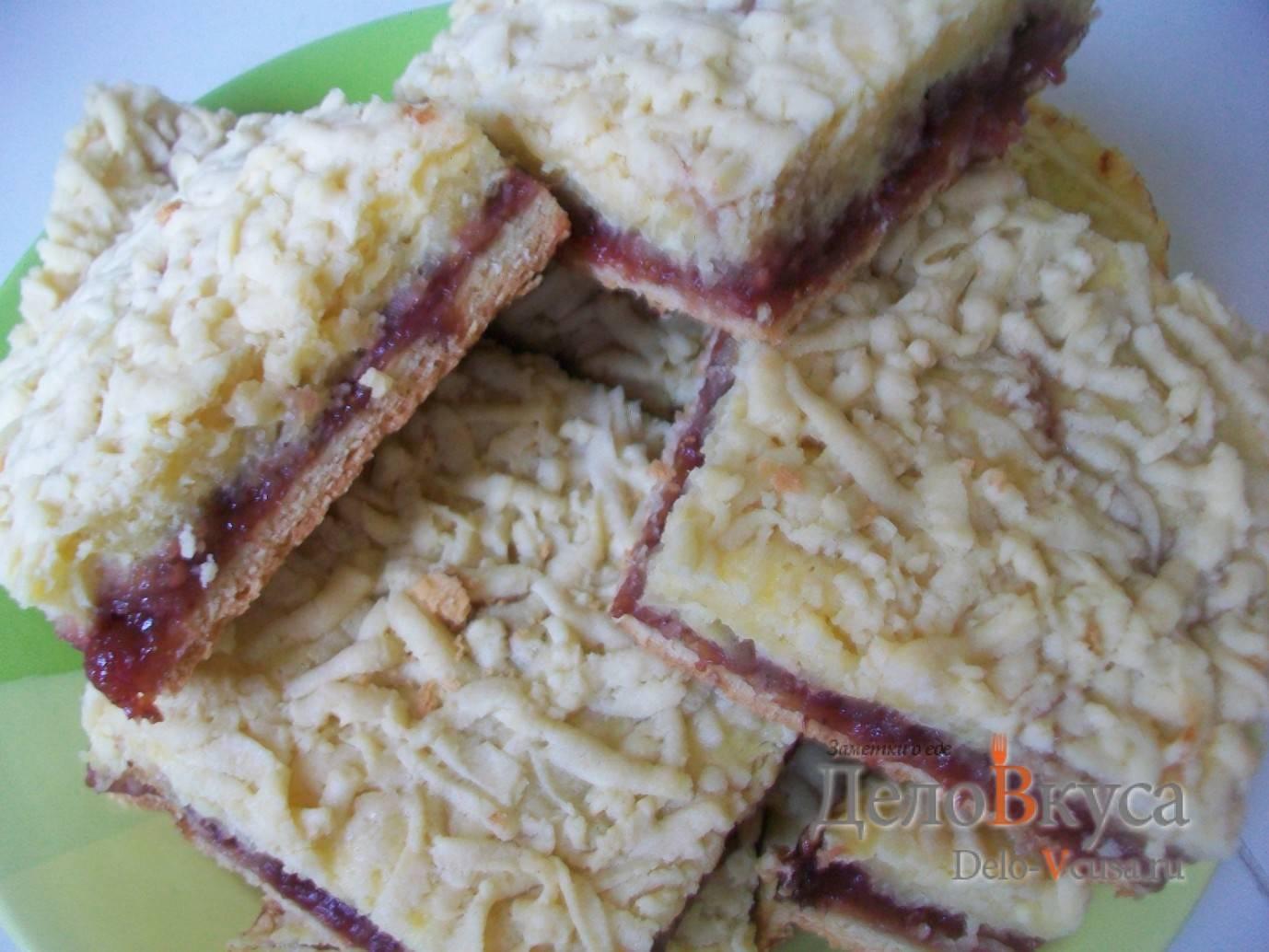 Как вкусно испечь пирог с ревенем – 7 незабываемых рецептов