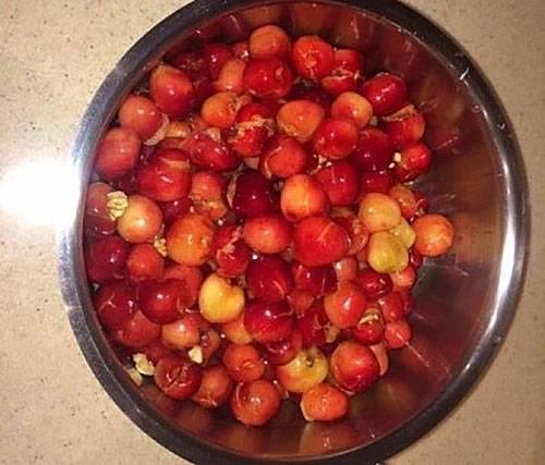 Изумительное варенье из черешни на зиму с добавкой других плодов из сада